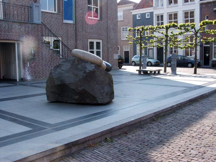 The memorial square outside the new Heusden town hall.